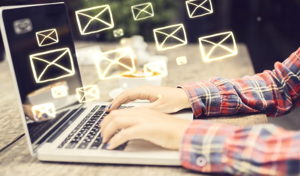 What is 'newsworthy' in the digital era?