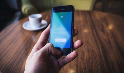 Top 30 journalists to engage with on Twitter for your small business