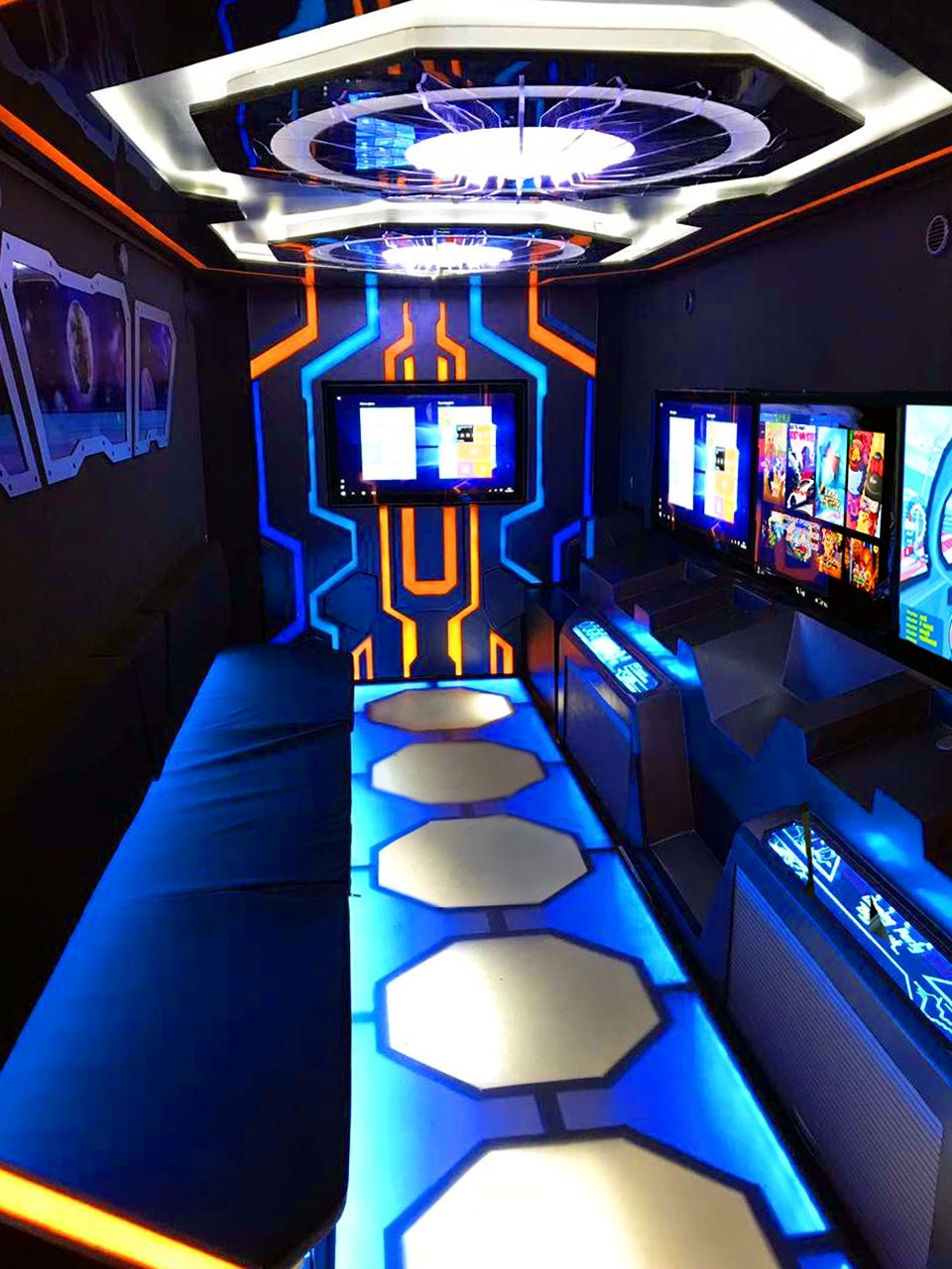 Mobile Gaming Bus
